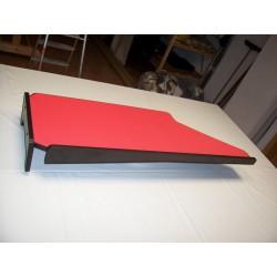 Mercedes Actros Big Space MP4 & MP5 durchgehender LKW-Tisch Kante schwarz Anirutschmatte rot Rückansicht