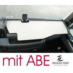 MAN TGX durchgehender LKW-Tisch mit Ausschnitt für Fahrassistent Kante schwarz Antirutschmatte beige mit ABE