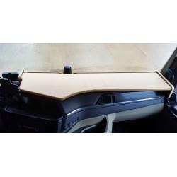 MAN TGX  ab 2020 durchgehender LKW-Tisch Kante beige Antirutschmatte beige