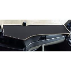 MAN TGX  ab 2020 durchgehender LKW-Tisch Kante beige Antirutschmatte schwarz