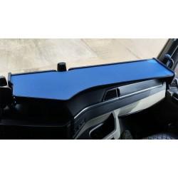 MAN TGX  ab 2020 durchgehender LKW-Tisch Kante schwarz Antirutschmatte blau