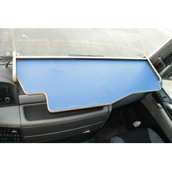MAN TGS durchgehender LKW-Tisch Kante beige Antirutschmatte blau Beispielbild
